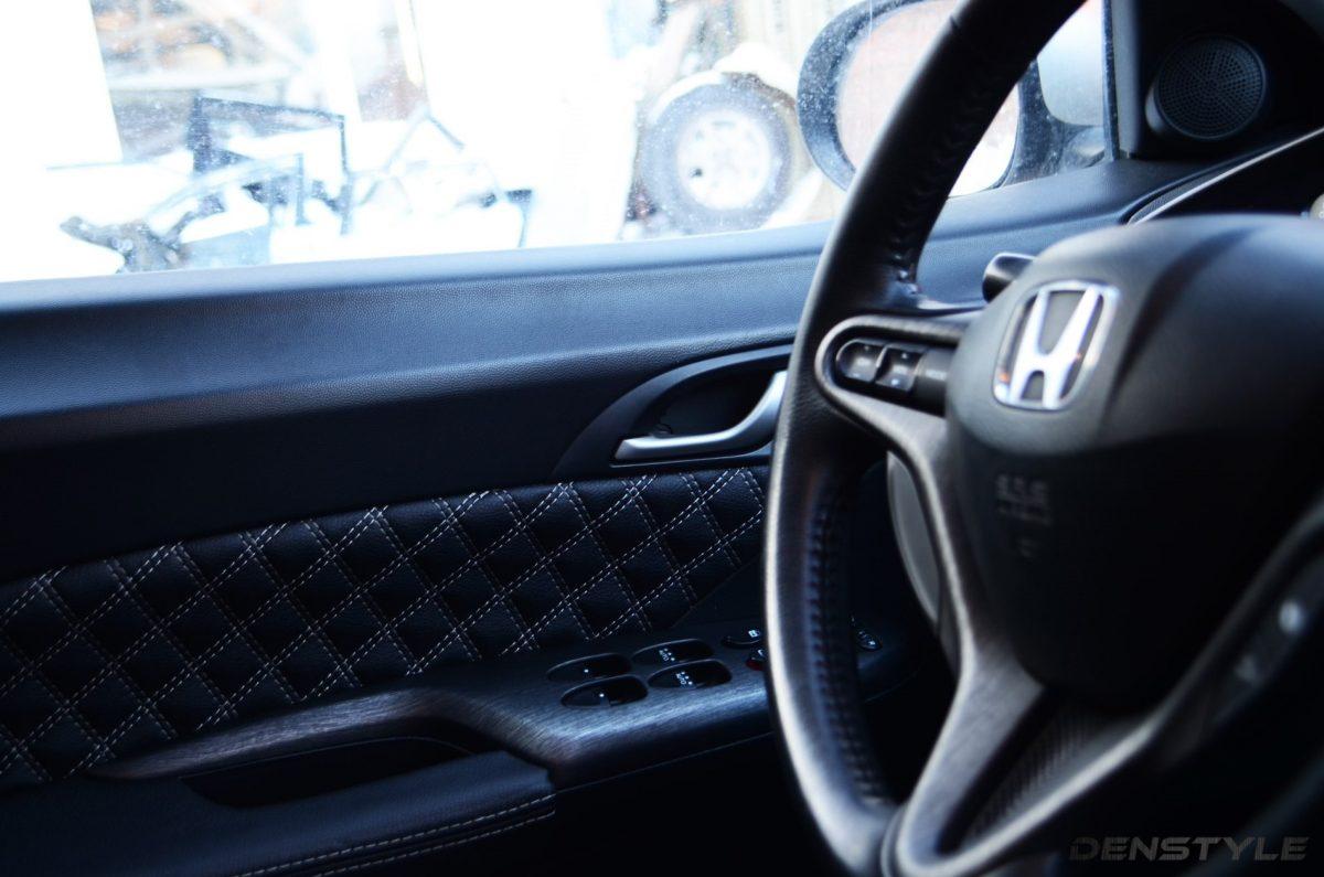 Honda Civic - аквапринт пластика под шлифованный алюминий, перетяжка карт и ручки кпп.